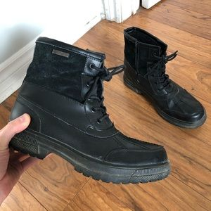 Fur-lined snow boots
